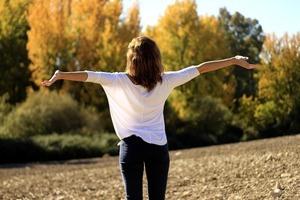 Frau im Freien (frische Luft)