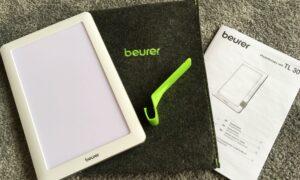 Tasche, Bedieungsanleitung und Lampe im Tabletformat